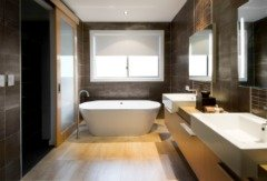 chicago-wood-flooring-bathroom